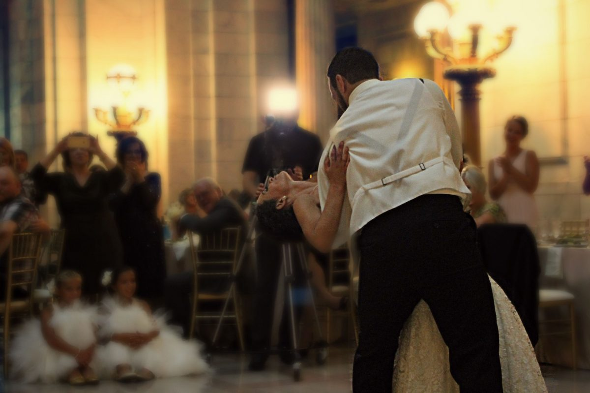 Setting the right mood with your wedding reception playlist